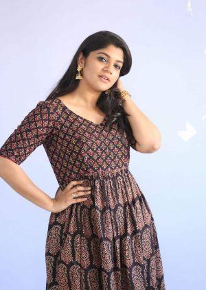 Latest-mallu-actress-Soorarai Pottru-lead-Aparna-Balamurali-2021-min