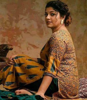 Actress-aparna-balamurali-biography-photos-gallery-2021-06