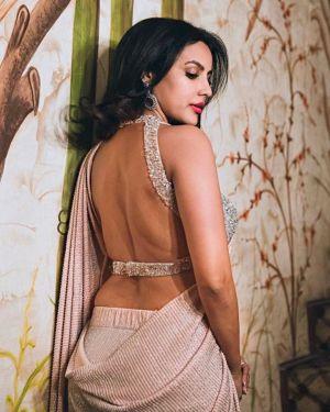 Actress-priya-anand-seducing-sleeveless-saree-photos-2021-06-11