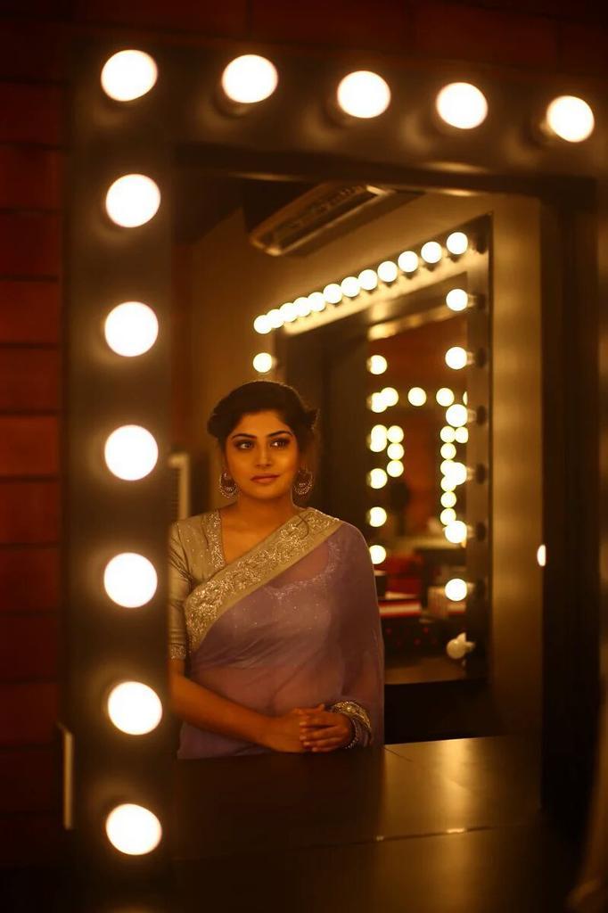 Actress Manjima Mohan Gallery
