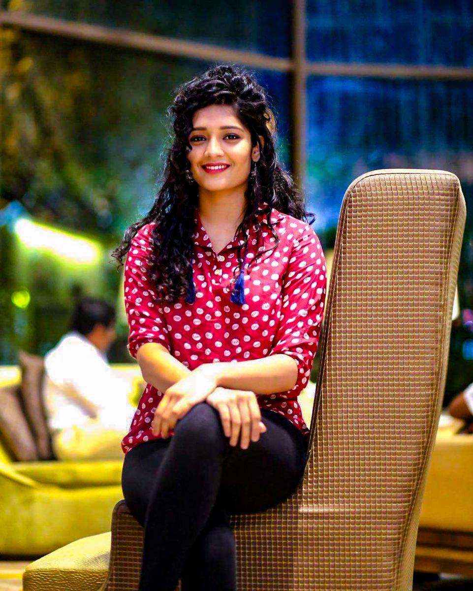Actress Ritika Singh Photo gallery and biography