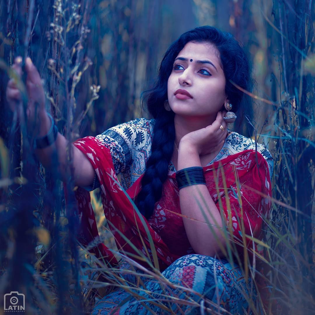 Lovely cute cum hot Mallu Actress sexy photo gallery