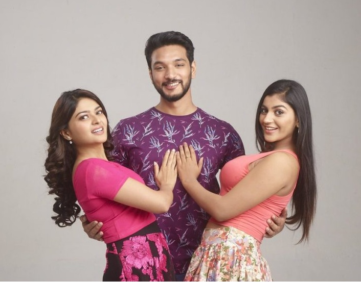 Iruttu Araiyil murattu kuthi movie stills