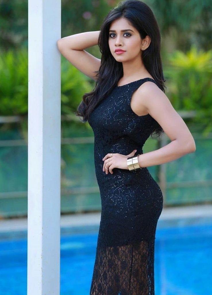 Anjana Sukhani Hot Pictures - XciteFun.net