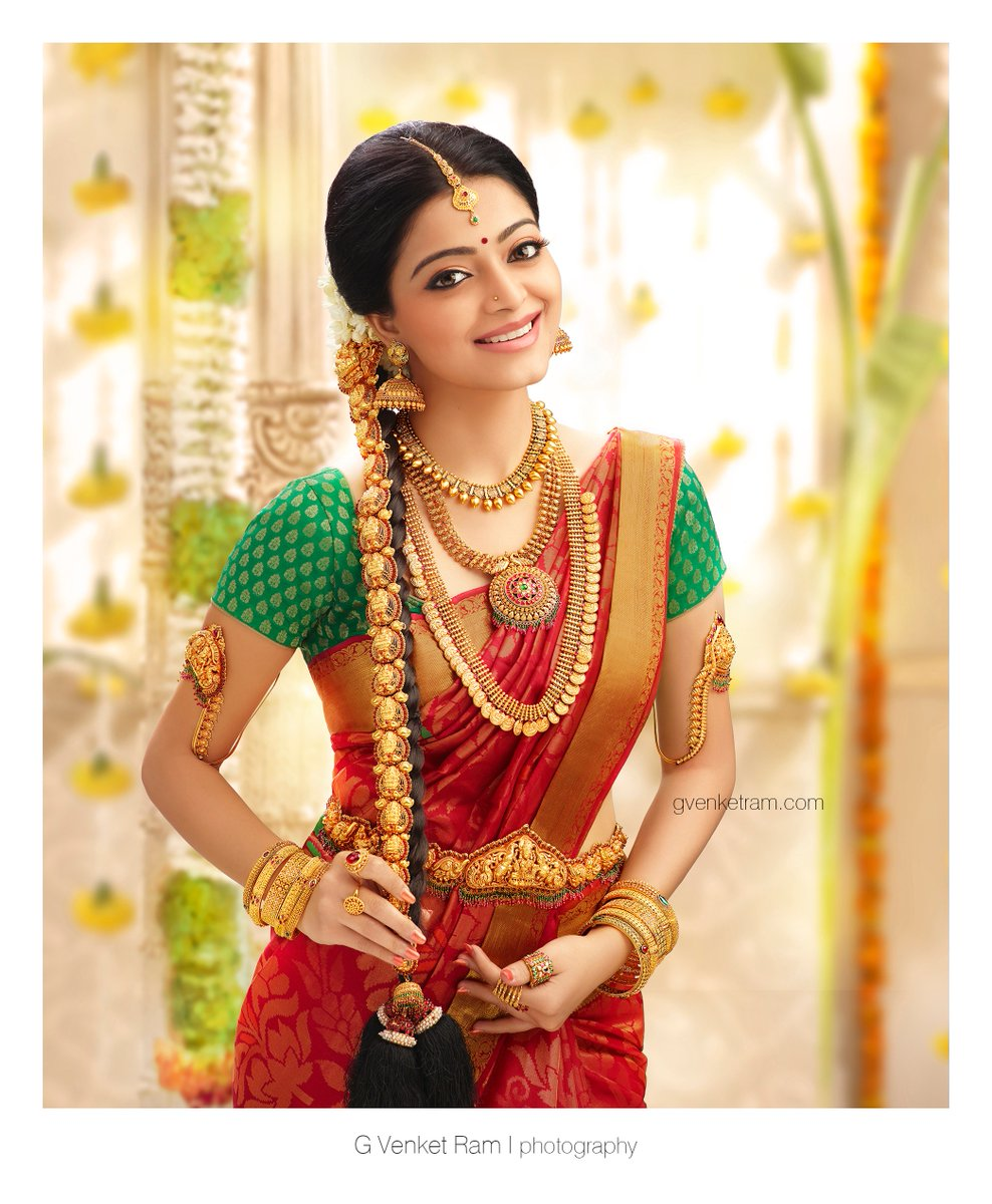 sexy-saree-beauty-jananiiyer-saree-stills-jewellery-ad-shoot-HD snaps-wiki biography measurements