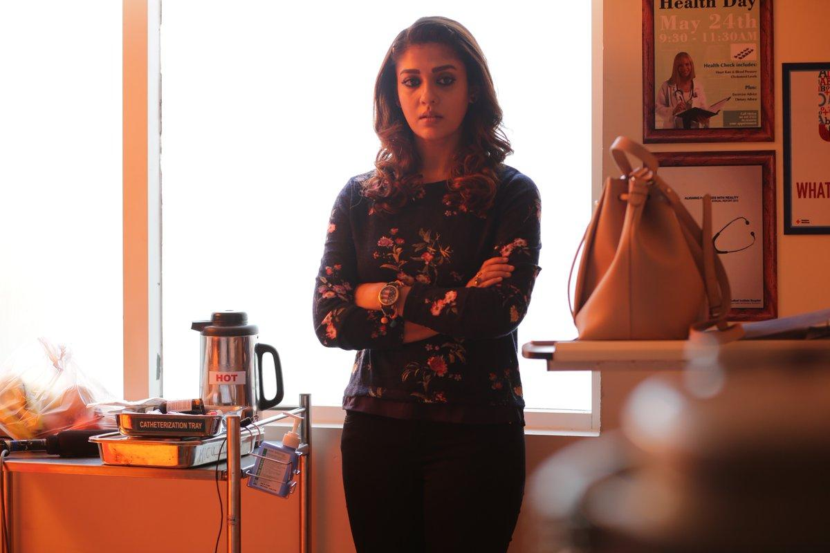 Sexy-hot-Lovely-Nayanthara Lady-Superstar-Airaa-March28-Airaa-11-Days-To-Go-AiraaOnMarch-28th-photos (1)