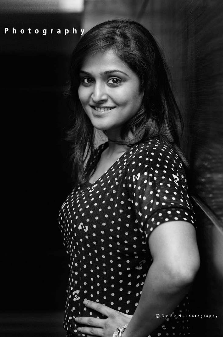 Mallu actress stills Ramya nambeesan