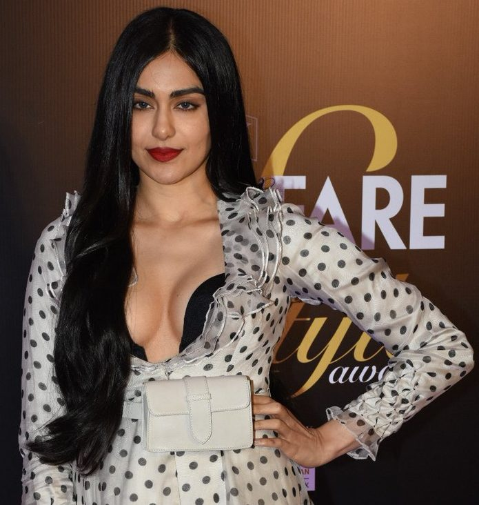 AdahSharma-Spotted-Filmfare-Glamour-Style-Awards-2019-sexy-hot-jaw-dropping-tempting-boobs-cleavage-stills (1)