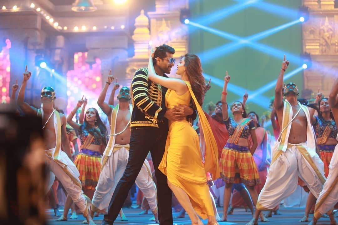 Jayam Ravi, Kajal Aggarwal Starring Comali movie stills