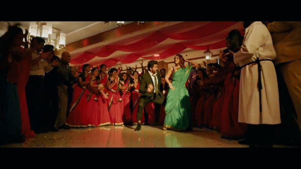 Thara local kuthu from Bigil movie Bigil Bigiluma Video song featuring Vijay Nayanthara