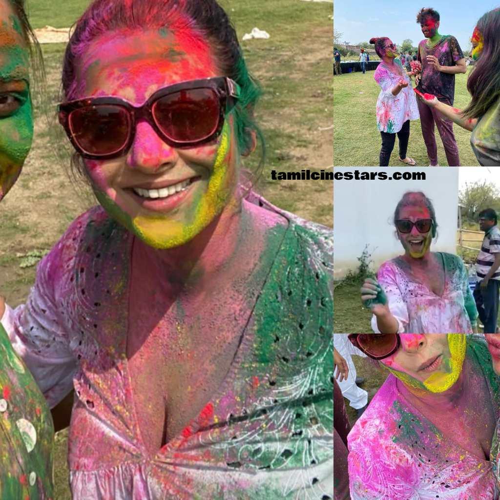 Bollywood actress Vidya balan Holi Celebrations snaps