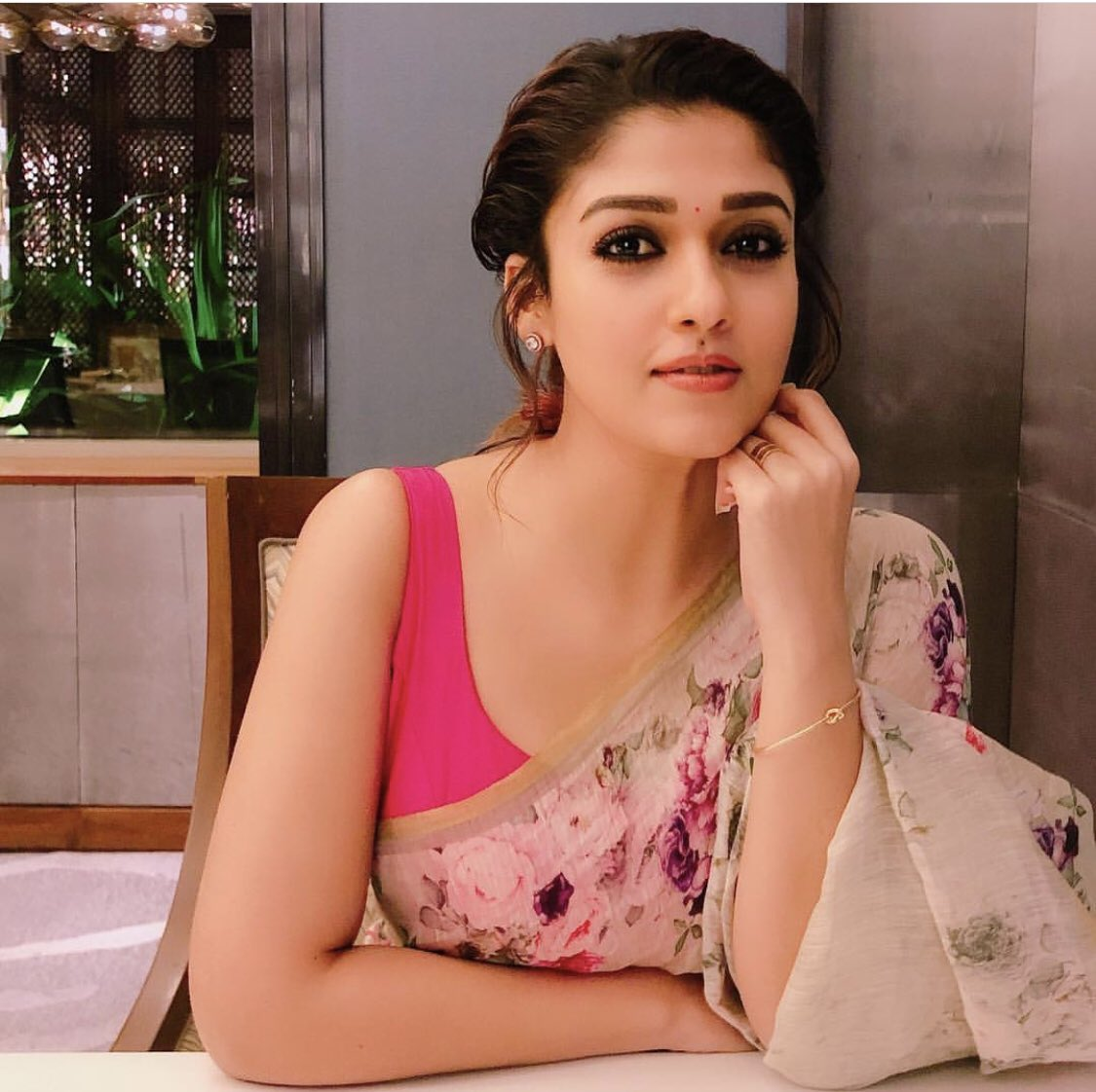 Actress Nayanthara Hot Photo Gallery with Biography Body measurements